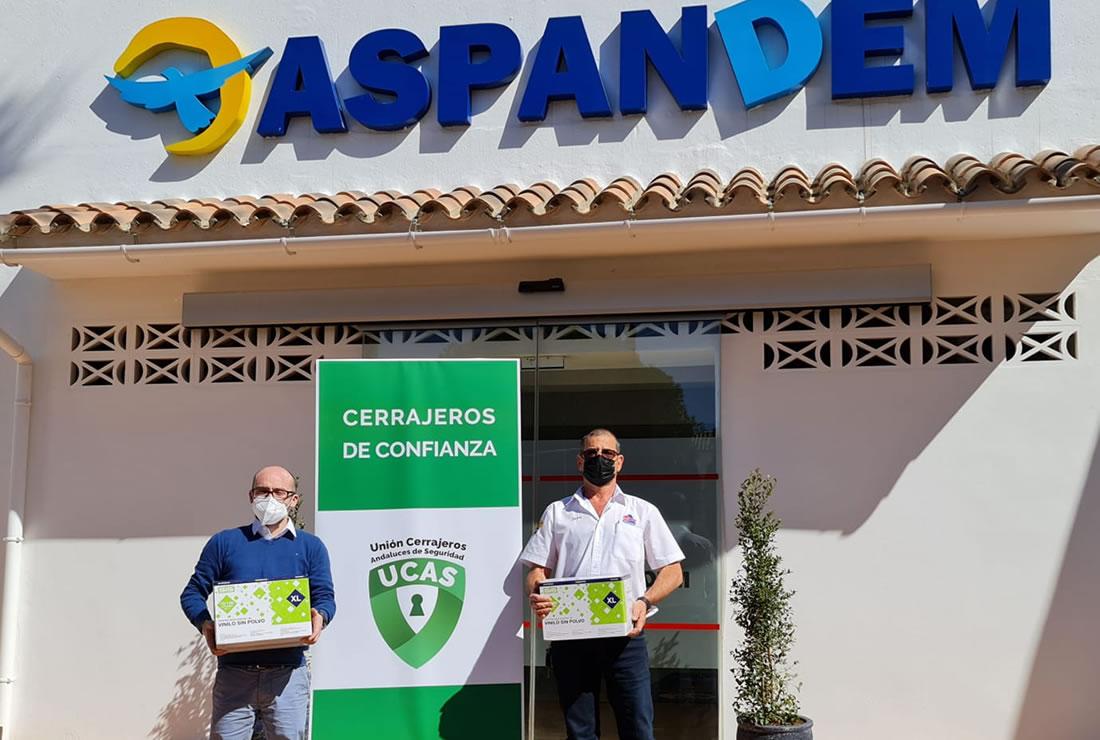 UCAS - Unión Cerrajeros Andaluces de Seguridad - UCAS Social - Entrega de guantes de protección